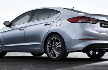 2017-Hyundai-Elantra-Sedan_10_LG