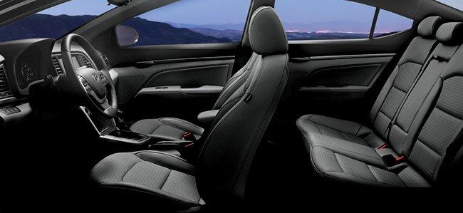 2017-Hyundai-Elantra-int